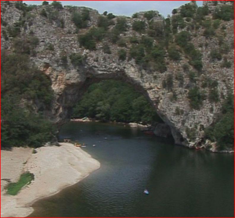 Le pont d`arc sur l`Ardéche